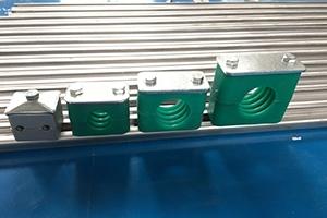 轻型管夹供应